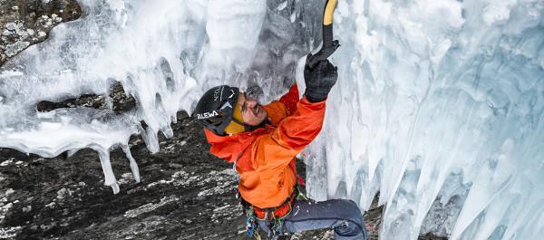 Simon-Gietl-Ice-Climbing-1170x500px