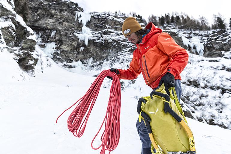 Simon-Gietl-Ice-Climbing-140x140